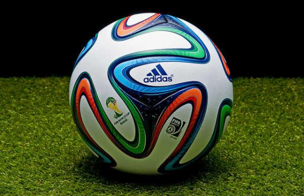 Bolas de futebol com descontos
