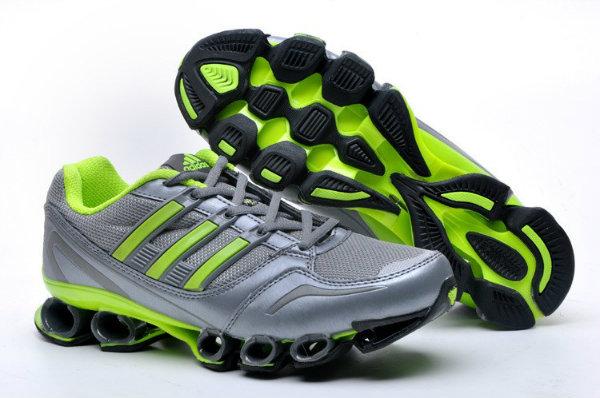 Tênis Adidas Titan Mesh