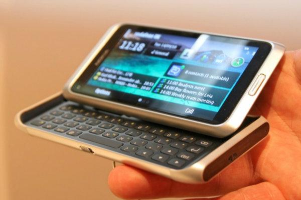 Smartphone Nokia E7 em oferta